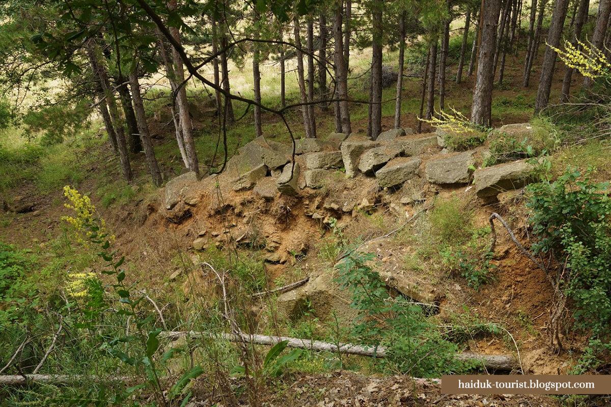 Могилата при Маньов дол